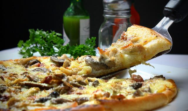 Prodotti freschi artigianali: piadine classiche e farcite, prodotti da forno, pizze fresche