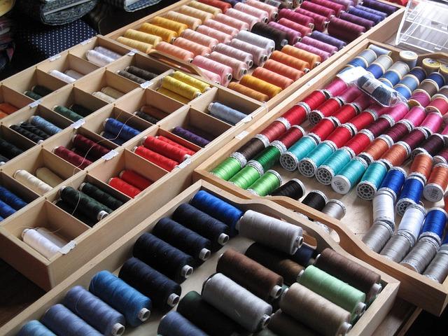 Produzione di maglieria artigianale di elevata qualità con materiali esclusivamente Made in Italy