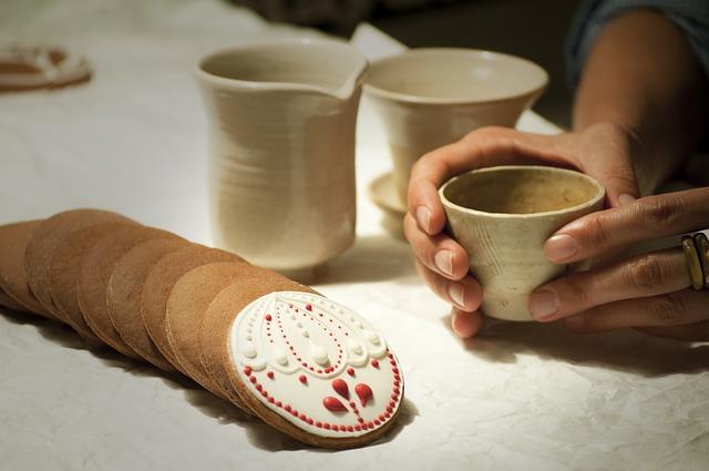 Vastissima varietà di prodotti in ceramica artigianale dall'antica tradizione della ceramica del vietrese