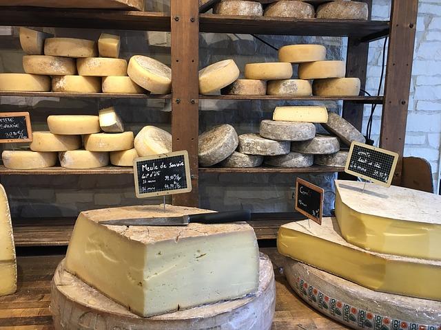 Produzione formaggi tipici sardi: caciocavallo principalmente